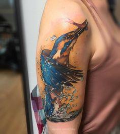 Fishing bird captured in motion tattoo Irezumi, Tattoo Inspiration, Watercolor Tattoo, Fishing, Birds, Art, Tatoo, Tattoo Studio, Tattoo Ideas