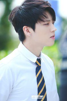 160929 JTBC 'Knowing Brother' Recording | F.S home Kim Sung Kyu, Lee Sung, Hi School Love On, Infinite Members, Dong Woo, Nam Woo Hyun, Kim Myung Soo, Men Formal, Woollim Entertainment