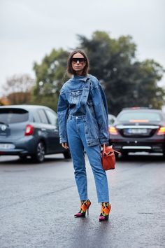 See all the most covetable street style looks from Paris Fashion Week. Autumn Street Style, Street Style Looks, Looks Style, Denim Fashion, Paris Fashion, Fashion Outfits, Fashion Fashion, Fashion Tips, Doble Denim