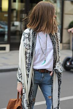 kimono over basic t-shirt and jeans