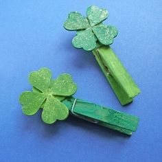 For St. Patrick's Day, make these Lucky 4 leaf clover clips, use as a place card holder, or attach a special note.
