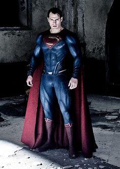 Henry Cavill on the set of Batman Vs.Superman:Dawn of Justice Superman Henry Cavill, Batman Vs Superman, Superman Dawn Of Justice, Spiderman, Superman Man Of Steel, Superman Cosplay, Supergirl Superman, Poster Marvel, Poster Superman