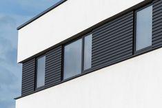 Inspiring innovations that we are fond of! Black Garage Doors, Modern Garage Doors, Garage Door Design, Aluminium Cladding, Exterior Siding, Facade Design, My House, Blinds, Building
