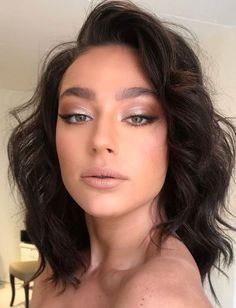 Glühender Sommer-Make-up-Look - Prom Makeup Looks Nude Makeup, Nude Lipstick, Skin Makeup, Makeup Hazel Eyes, Brunette Makeup, Brown Eyes Eyeshadow, Wedding Hair And Makeup Brunette, Brown Lipstick Makeup, Black Hair Makeup
