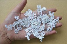 Such a adorable & delicate lace applique! Tambour Beading, Hand Embroidery Designs, Embroidery Ideas, Textiles, Lace Weddings, Bridal Lace, Hair Piece, Lace Applique, Floral Motif