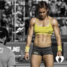 Crossfit Games 2015 Open workout is: 9 minutes amrap . Crossfit Body, Crossfit Women, Crossfit Athletes, Crossfit Chicks, Reebok Crossfit, Fitness Inspiration, Crossfit Inspiration, Motivation Inspiration, Bodybuilder