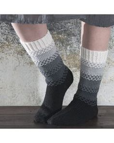Villasukat - Käsityöohjeet   Lankava.fi Crochet Socks, Crochet Yarn, Knitting Socks, Crochet Stitches, Warm Socks, Cool Socks, Knitting Designs, Knitting Patterns, Knitting Accessories