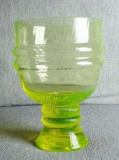 Sulttaani-maljakko, keltainen, Nanny Still Lassi, Glass Collection, Glass Design, Hurricane Glass, Finland, Ceramics, Art, Egg, Ceramica