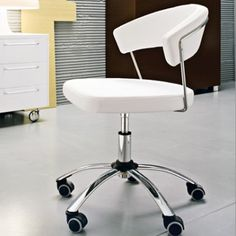 Calligaris New York Office Swivel Chair  #Calligaris is Internationally renowned as one of the finest #contemporary #Italian furniture brands. Calligaris furniture boasts clean lines, #elegant curves and premium quality materials throughout the range, making this a collection of design #classics.