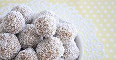 Apricot, Coconut and Muesli Balls via @organised_house