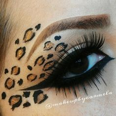 Leopard eye makeup perfect for halloween ! Cheetah Makeup, Animal Makeup, Makeup Fx, Makeup Inspo, Halloween Eyes, Halloween Makeup Looks, Hallowen Schminke, Leopard Eyes, Fairy Makeup