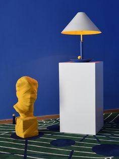 """Un peu de fantaisie dans les couleurs et les accessoires de décoration est toujours une bonne idée pour réenchanter son intérieur ! Maison Dada est réputée pour ses accessoires raffinés aux touches délicieusement surréalistes comme cette lampe bleue et jaune """"Little Eliah"""" et le buste sculpté jaune """"This is not a self portrait"""" imaginés par le designer Thomas Dariel. #myfurnitureisfrench #ameublementfrancais #frenchdesign #maisondada #thomasdariel #lamp #lighting #bust #sculpture #avantgarde Pantone, 2 Color Combinations, Countries Around The World, Living Room Bedroom, Aluminium Alloy, 2 Colours, Decoration, Blue Yellow, Home Accessories"""