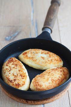 Neues Lieblingsessen: Gefüllte Kartoffeltaler | http://eatsmarter.de/rezepte/gefuellte-kartoffeltaler