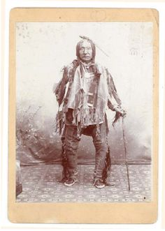 Little Thunder, a member of the Sioux tribe. Regulations for Native American 'artifacts' auctions may still be too lax. Of recent conversation on the board. Native American Photography, Native American Photos, Native American Artifacts, Native American History, Native American Indians, Native Americans, Sioux Tribe, Indian Family, Images Of Mary
