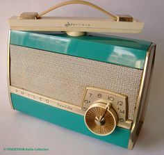 PHILCO Portable Transistorradio (USA ca. 1958)    Photo + Radio Collection by Mark Meijster Amsterdam, The Netherlands © 2011