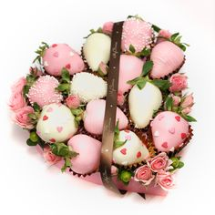 726 отметок «Нравится», 21 комментариев — Клубника в шоколаде СПб (@myberries.spb) в Instagram: «Приближается самый нежный и трепетный день в году - #ДеньСвятогоВалентина, наполненный любовью,…»