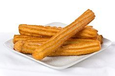 Churros are delicious crispy and chewy, warm, cinnamon-sugar bread sticks often sold street-side and at carnivals and sports events. Cuban Desserts, Peruvian Desserts, Köstliche Desserts, Mexican Food Recipes, Dessert Recipes, Cinnamon Sugar Bread, How To Make Custard, Spanish Food, Spanish Recipes