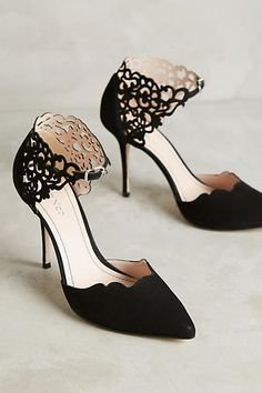 Perfect heel for a great dress -Pinterest: Hamza│₪ The Land of Joy Pretty Shoes, Beautiful Shoes, Cute Shoes, Me Too Shoes, Gorgeous Heels, Beautiful Body, Zapatos Shoes, Dream Shoes, Crazy Shoes