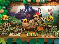 Lion King Party, Lion King Birthday, 1st Boy Birthday, Birthday Party Tables, Birthday Celebration, Lion King Baby Shower, Safari Decorations, Le Roi Lion, First Birthdays
