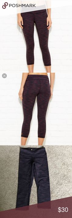 Lucy Hatha capris xs Like new!  Matching tank for sale too 👍🏻 Lucy Pants Capris