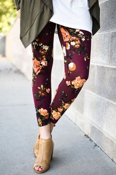 Burgundy Floral Leggings  Price: $20 Sizes: S-L To Purchase: http://ift.tt/2mactUI  Free Shipping Always  Hannah is 5'8 and wearing a small