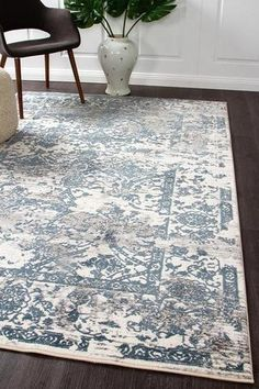 Mist Classic Distressed Transitional Rug White Blue Grey