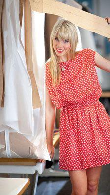Burda Couture facile Printemps-été 2012 - 1 DRobe - T. 34 - 44 - Conseil d'étoffe : batiste