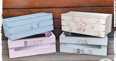 My Paper Laboratory - Frutti Decorati Baby Shower Baskets, Baby Baskets, Baby Shower Gifts, Wooden Crates Gifts, Wooden Toy Boxes, Scrap Wood Crafts, Diy Wooden Projects, Girl Gift Baskets, Baby Gift Hampers
