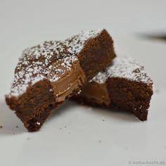 Schoko-Brownies mit Karamellkern - katha-kocht!