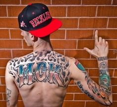 Lace Up! MachineGunKelly❤