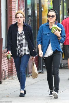 Ready for Santa: On Christmas Eve, Kristen and Alicia were seen grabbing healthy drinks to...