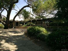 In need of renovation: 1950s Richard Neutra-designed modernist property in West Covina, California, USA on http://www.wowhaus.co.uk