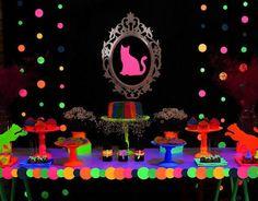 Resultado de imagem para como montar uma festa neon