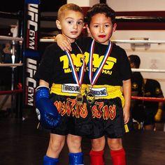 Teamwork makes the dream work tagmuaythai.com -- #tagmuaythai #muaythai #mma #bjj #boxing #kickboxing #fight #kidstagram #motivation #fitfam #ufcgym #squad #team #qotd #vsco #boymom #sports #DC #VA #martialarts #muaythaikids #mmakids