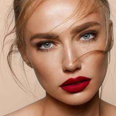 The lips always look red. Red lips are not just Die Lippen sehen immer rot aus. Rote Lippen sind nicht nur attraktiv, sondern au… The lips always look red. Red lips are not only attractive, but also … - Red Lipstick Looks, Red Lips Makeup Look, Best Red Lipstick, Red Lipstick Makeup, Natural Lipstick, Red Lipsticks, Skin Makeup, Natural Makeup, Makeup Looks