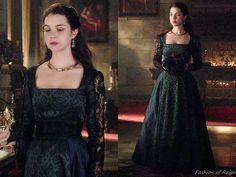 """In the episode 3x05 (""""In a Clearing"""") Queen Mary wears this Reign Costumes custom printed dress with the black lace insets."""