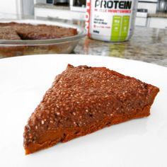 Koláč s chia vrchem a proteinem Healthy Desserts, Healthy Recipes, Healthy Style, Kiwi, Sweet Recipes, Banana Bread, Cheesecake, Deserts, Food And Drink