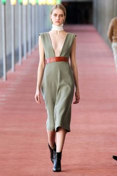 20 Looks with Fashion Designer Lemaire Glamsugar.com Lemaire Fall 2015 Ready to Wear Fashion Show