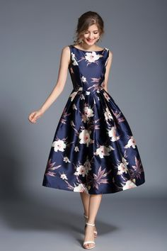 """- Imported - Colour: Navy & Sand Floral print - Style: Day Dress / Party Dress - Composition: 100% polyester - Washing Instructions: delicate machine wash under 30 degrees. Bust (inch):S:33.1, M:34.6, L:36.2, XL:37.8, XXL:39.4 Waist (inch):S:28.3, M:29.9, L:31.5, XL:33.1, XXL:34.6 Length (inch):S:42.1, M:42.5, L:42.9, XL:43.3, XXL:43.7 - Model is 5ft 492"""" tall and wearing a size S - Bust (inch): 32.3 - Waist (inch): 24.8 - Hip (inch): 33.1 Floral Dress Design, Floral Midi Dress, Summer Floral Dress, Floral Print Dresses, Floral Prints, Flowery Dresses, Skirt Outfits, Dress Skirt, Pretty Dresses"""