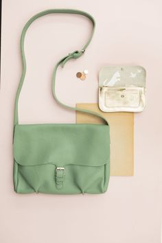 Keecie - Flora and fauna bag in forest leather | bigger bags | grote tas | dames tas | mode accessoires | womens fashion accessories | Keecie.nl