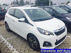 Peugeot 108 !!! 1.0 VTI 68 Allure 5p immatricolata Giugno 2016  km.ZERO colore Bianco Lipizanpack Chrome-retrocamera-ruotino di scorta. Listino Euro 14.880, da noi a soli €. 10.700 oltre a passaggio di proprietà. maurizio.moretti@supercarsrl.eu 333.6456861 Per questa e altre proposte, visitate il nostro sito: www.cittadelladellauto.it