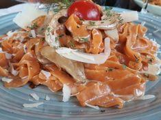 Χυλοπίτες με μανιτάρια πλευρώτους σε λευκή σάλτσα Pasta Salad, Chicken, Meat, Ethnic Recipes, Food, Crab Pasta Salad, Essen, Noodle Salads, Yemek