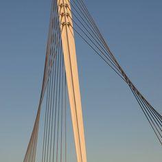 Fabian Way Bridge Port Tennant Swansea. Architect: Studio Bednarski. #ukcoastwalk Photo: Quintin Lake www.theperimeter.uk