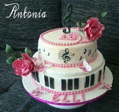 #torte #klavier #blumen #rosen #geschenk #noten #backen #selbstgemacht #schmetterlinge #торт #тортназаказ #бабочки #розы #выпечка #подарок #пианино #музыка #ноты #деньрождения #ручнаяработа