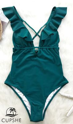 Maillot de bain : New Arrival! Falbala design combined with tie at back fashionable one-piece. Vacation Outfits, Summer Outfits, Cute Outfits, Cute Swimsuits, Women Swimsuits, Brasilianischer Bikini, Floral Bikini, Beach Attire, Cute Bathing Suits