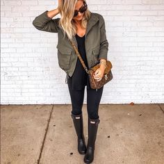 45 Popular Fall Outfits Ideal For You / 32 Fall Outfits Cute Rainy Day Outfits, Winter Boots Outfits, Best Casual Outfits, Spring Outfits, Cute Outfits, Rainy Day Outfit For Fall, Rainy Outfit, Outfit Winter, Warm Fall Outfits