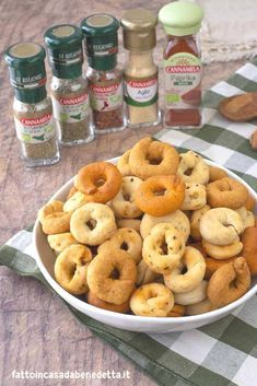 My Recipes, Italian Recipes, Pasta Recipes, Healthy Biscuits, Mantecaditos, Romanian Food, Salty Cake, Biscuit Cookies, Happy Foods