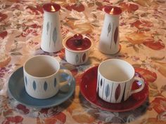 Emilie Beuth's Tango design didn't win an award in the 1961 Crown Lynn Design Awards, but was used very successfully for many years in the hotel industry. Vintage Love, Retro Vintage, Cute Coffee Cups, Design Awards, Tango, Pottery, Crown, Ceramics, Dishes