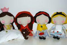 Malas e bonecas de pano temáticas feitas à mão no caseiro.pt por Coração de Pássaro.