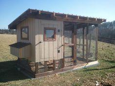 DIY chicken coop ideas, plans, roost, portable, interior, door, homemade, cleaning, floor, winter, decorations, rustic and fancy
